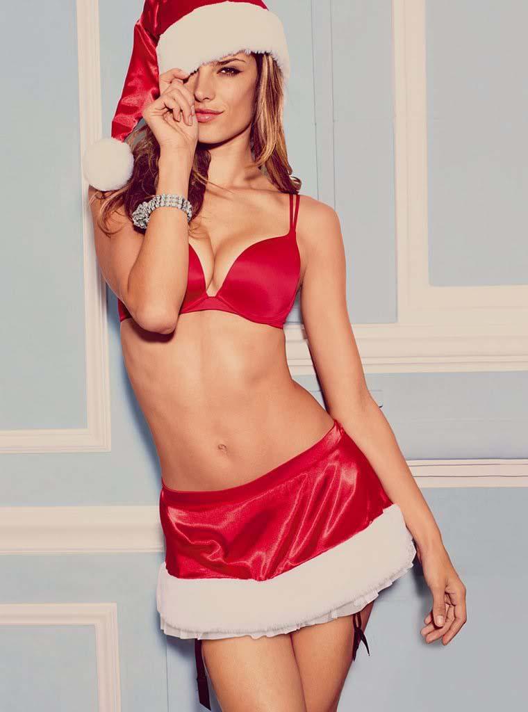 couch/uploads/image/artikkler/2016/galskap/tilfeldige_favoritter/tilfeldig25/christmas-bikini-booty-models-big-08.jpg