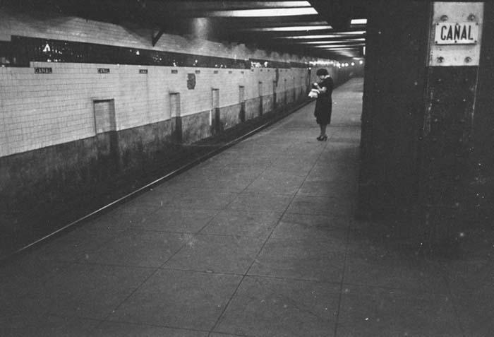 couch/uploads/image/artikkler/2017/galskap/kubrick//vintage-photographs-new-york-street-life-stanley-kubrick-48-59a91cf18f82a__700.jpg