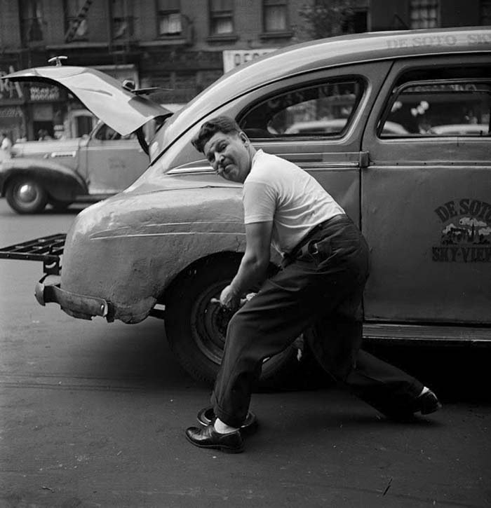couch/uploads/image/artikkler/2017/galskap/kubrick//vintage-photographs-new-york-street-life-stanley-kubrick-9-59a91cfc8affe__700.jpg